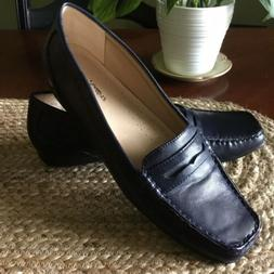Beautiful Women's TR Trotters Navy Blue Shoes Penny Loafers