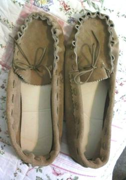 Handmade Moccasins  MEN'S SUEDE Leather  Size 12   NEW