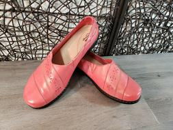 NWOT CLARKS EVIANNA Fig 4 WOMEN CORAL PINK LEATHER SLIP ON S