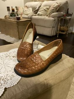 Trotters Viva Women's Brown Woven Leather Shoes 9S Slip On L