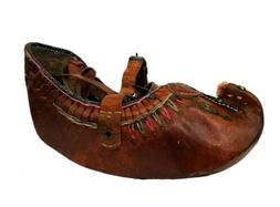VTG Handmade Hard Leather Moccasins Buckle Strappy Display A
